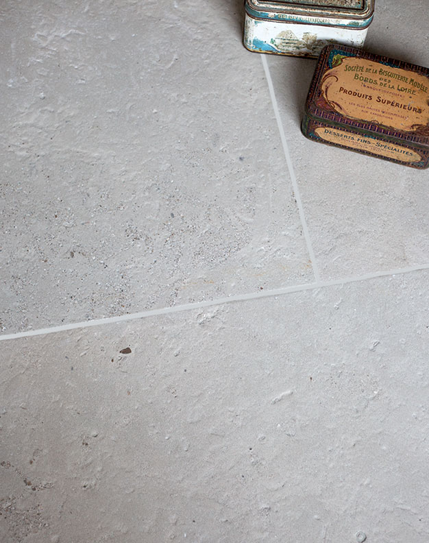 Clermont-Gris-Brushed-Limestone-Tiles