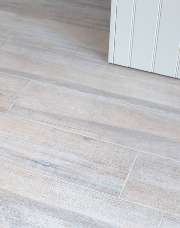Henbury-Natural-Oak-Wood-Effect-Planks