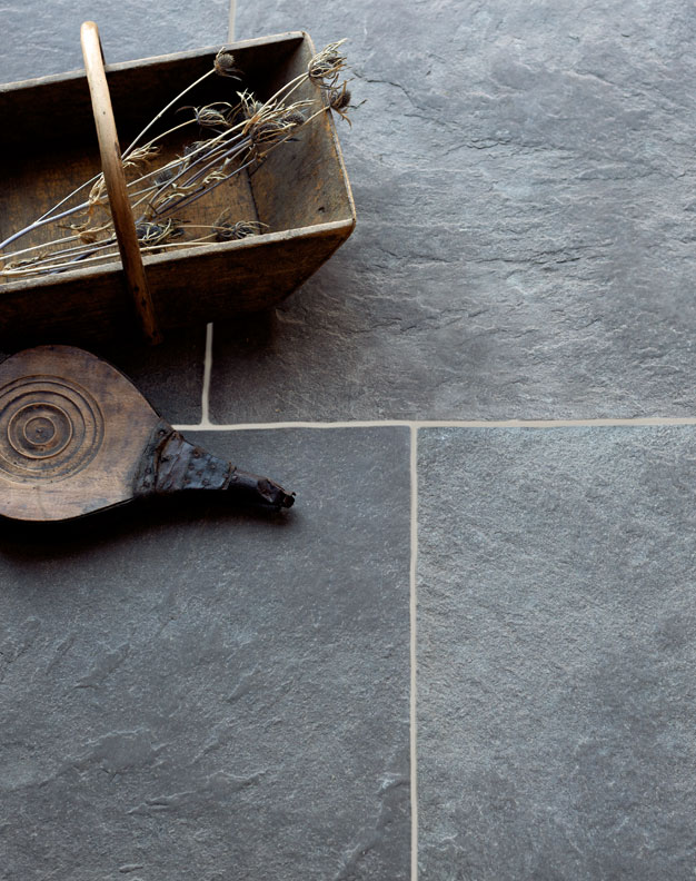 Windsor-Grey-Antiqued-Limestone-Tiles